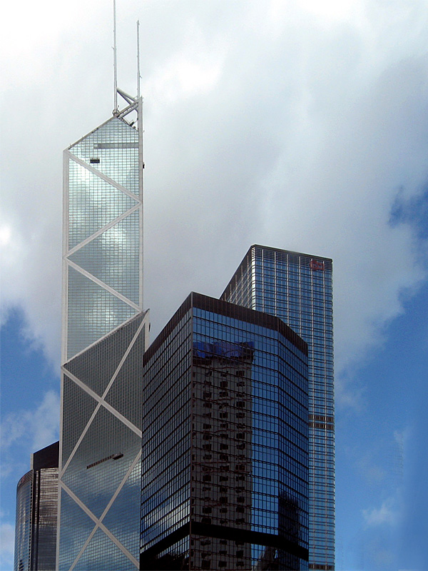 Bank of China Tower, 305 m, 72 étages (conception Ieoh Ming Pei, l'architecte de la pyramide du Louvre)